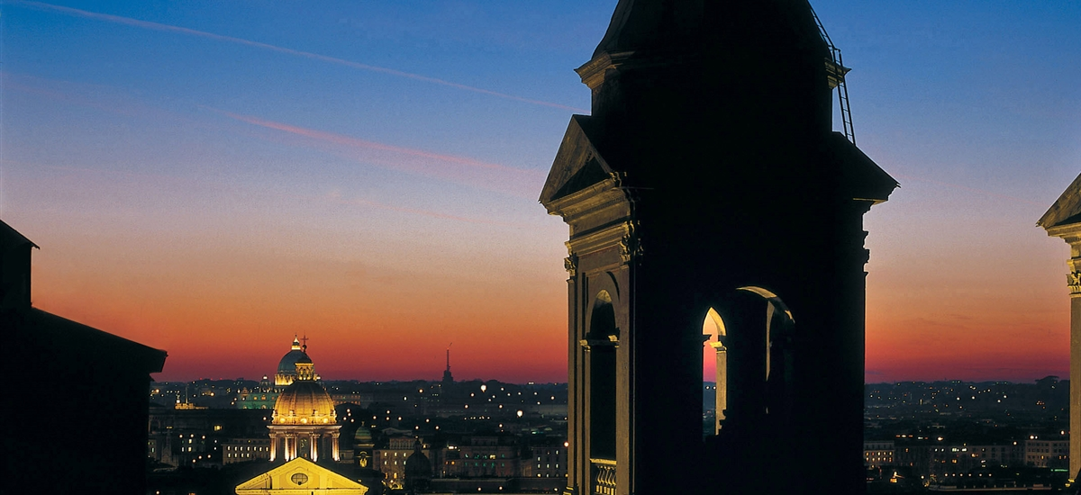 Night view of Trinit dei Monti